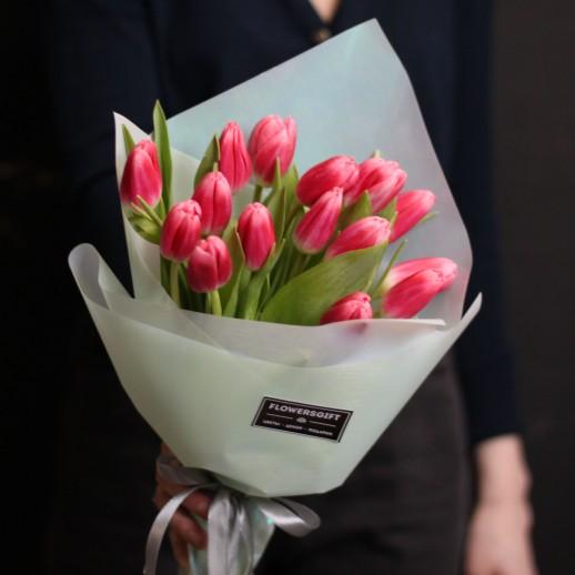 Букет из 15 тюльпана №672