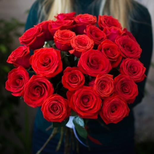 Букет из 25 красных роз № 330