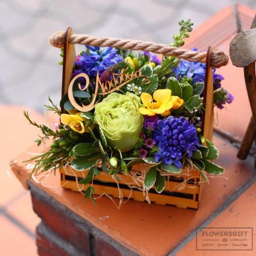 Ящик с цветами №185