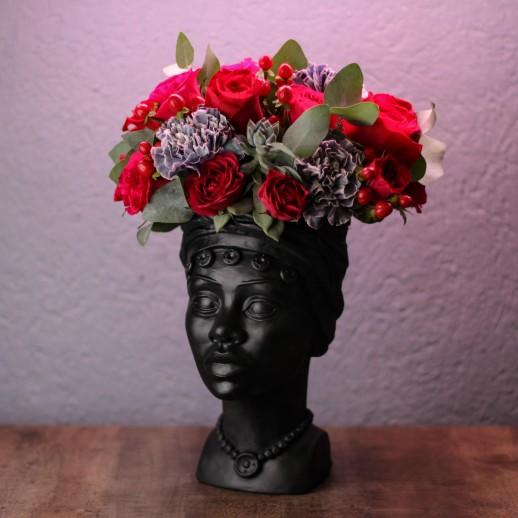 Кашпо Наоми с цветами № 3721