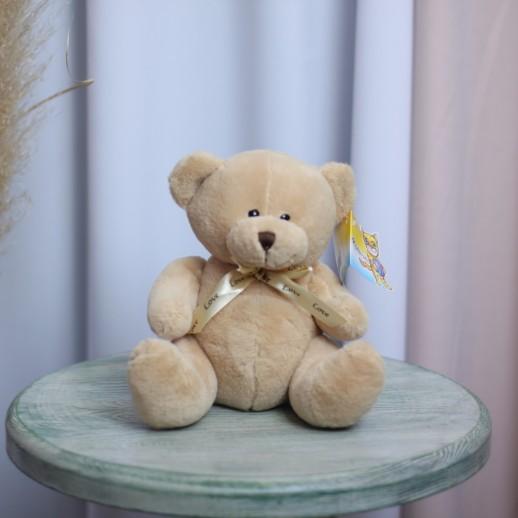 Медведь кремовый